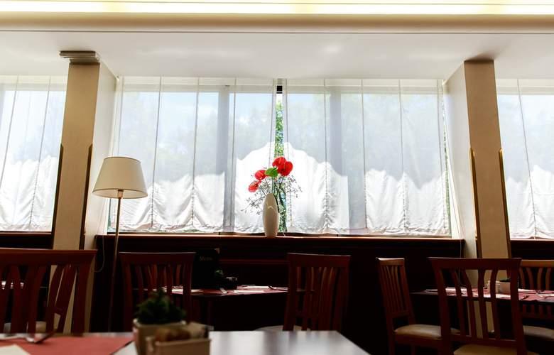 The Brand - Restaurant - 3