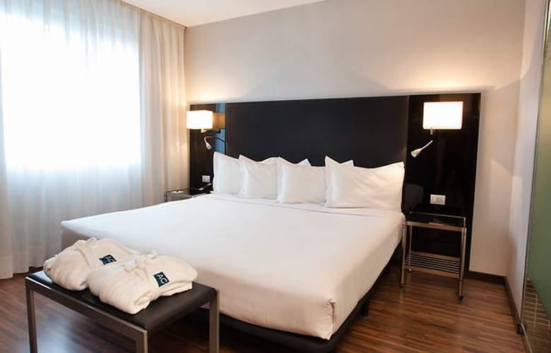 AC Madrid Feria - Room - 17