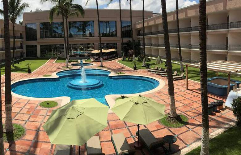 Best Western Nekie Tepic - Pool - 49