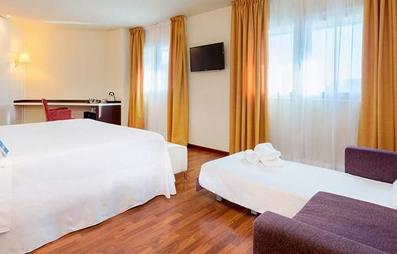 Tryp Valencia Feria - Room - 8