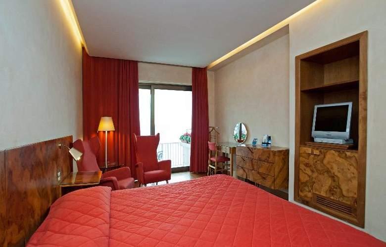 Royal Continental - Room - 3