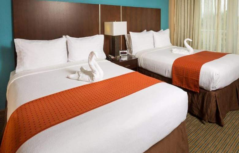 Holiday Inn Beach Resort - Room - 14