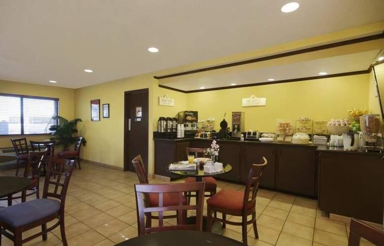 Best Western Desert Villa Inn - Restaurant - 35