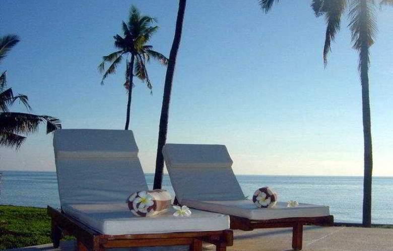Kubu Indah Dive & Spa Resort - Terrace - 5