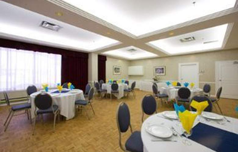 Quality Hotel & Executive Suites Oakville - Restaurant - 10