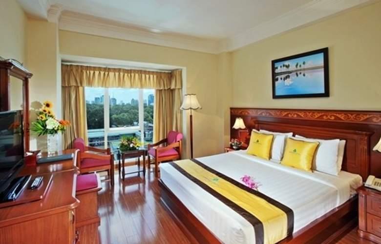 Sapphire Hotel - Room - 1