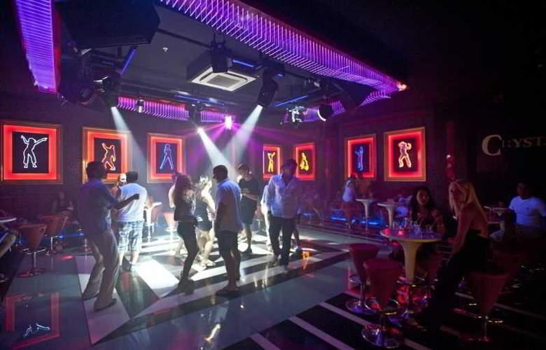 Crystal Palace Luxury Resort & Spa - Bar - 20