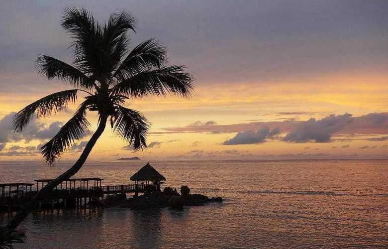 Le Meridien Fisherman's Cove - Hotel - 8