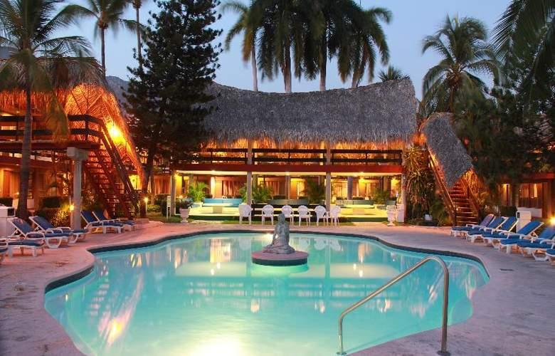 Bali - Hai - Pool - 8