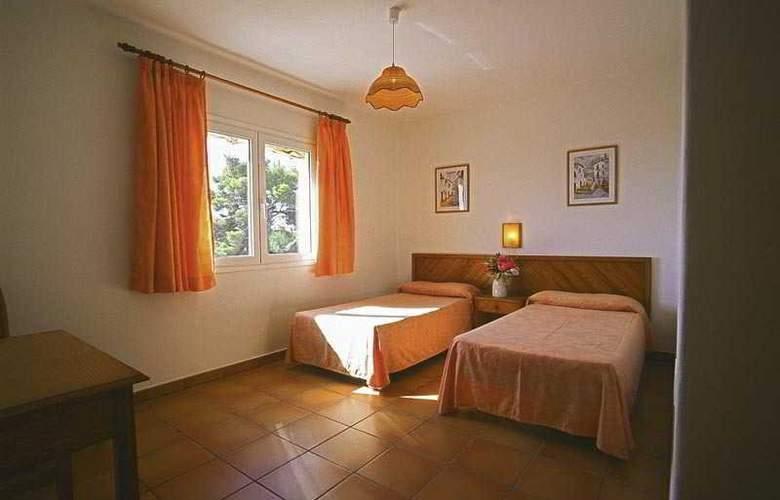 Benet - Los Pinares I - Room - 8