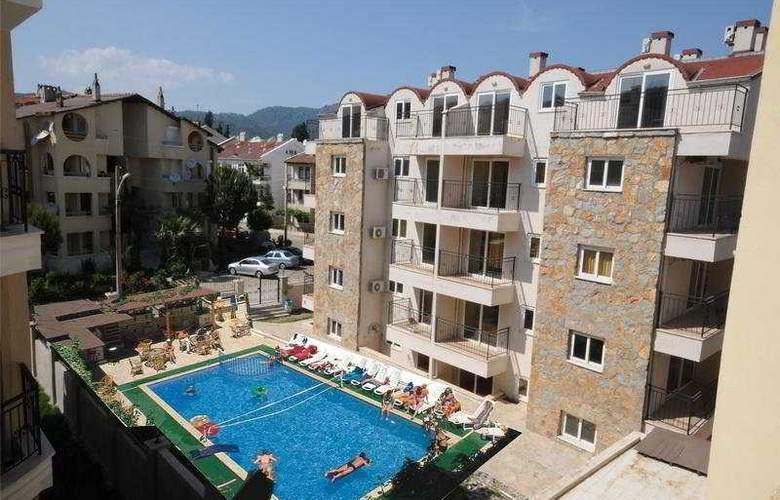 Class Family Apart Hotel - Pool - 5