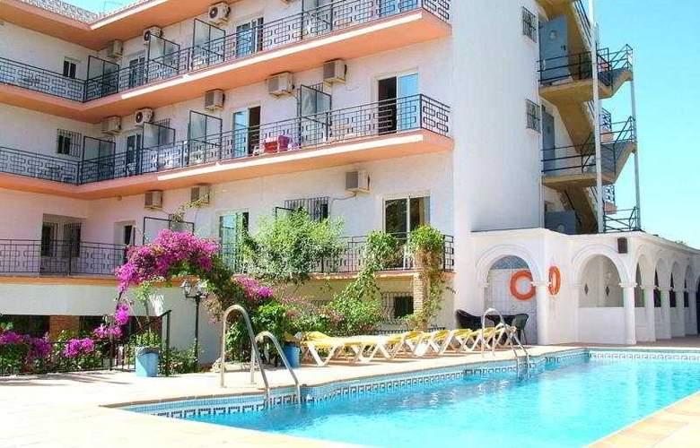 Carmen Teresa - Hotel - 0