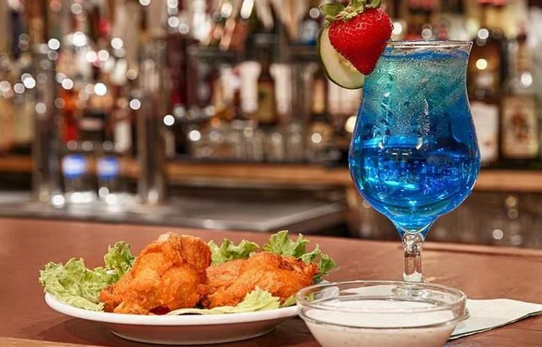 Best Western Plus Rio Grande Inn - Bar - 68