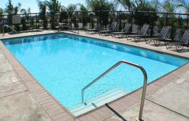 Hampton Inn & Suites Merced - Hotel - 2