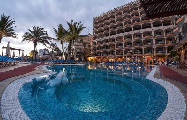 Dorado Beach Aparthotel - Pool - 10