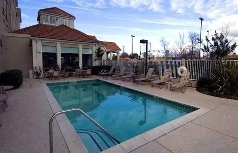 Hilton Garden Inn Folsom - Hotel - 2