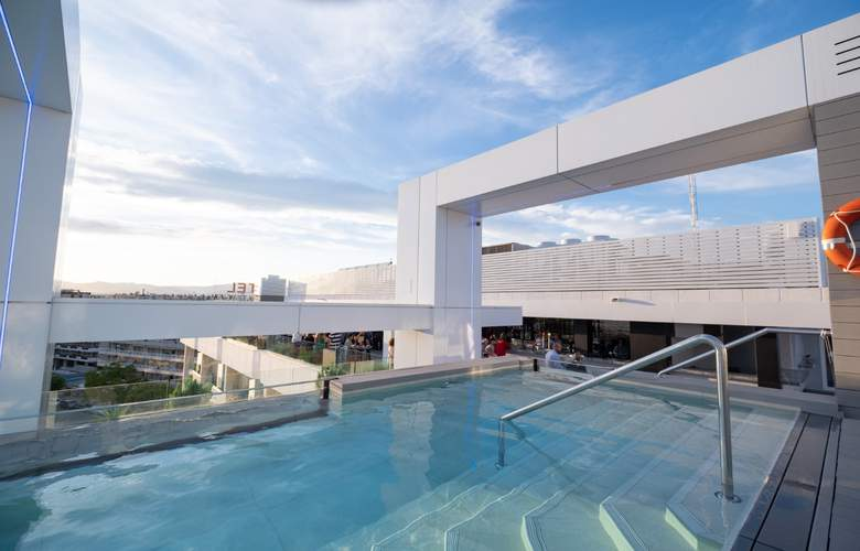 Olympus Palace - Pool - 32