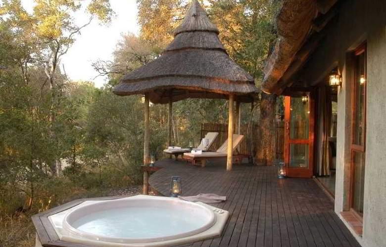 Imbali Safari Lodge - Terrace - 2
