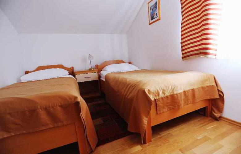 Pervanovo Apartments - Room - 32