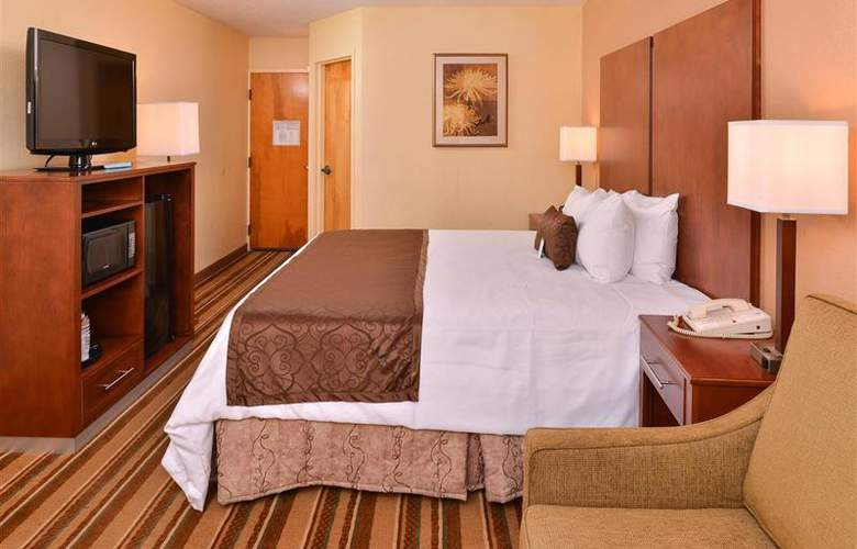 Best Western Plus Richmond Airport Hotel - Room - 95