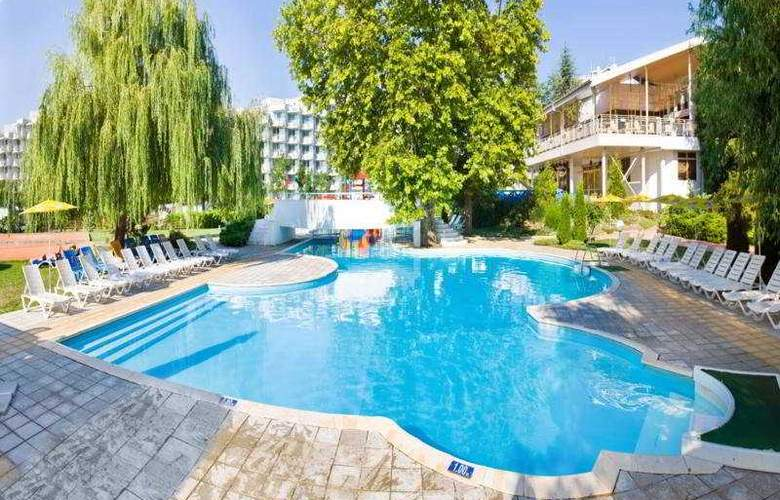 Orlov - Pool - 1
