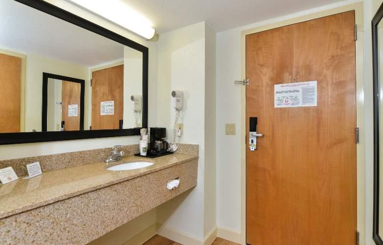 Quality Inn & Suites at Universal Studios - Room - 27