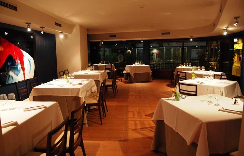 Cosmos Hotel - Restaurant - 27