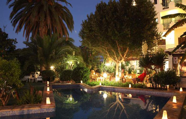 Azuline Hotel Galfi - Pool - 20
