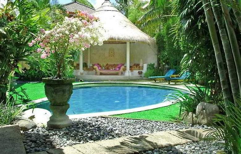 Villa Kubu - Pool - 8