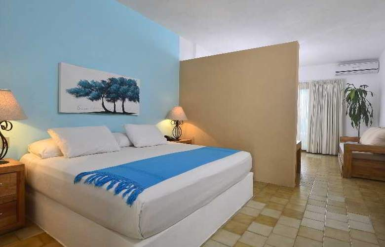 Emperador Vallarta Beachfront  Hotel and Suites - Room - 11
