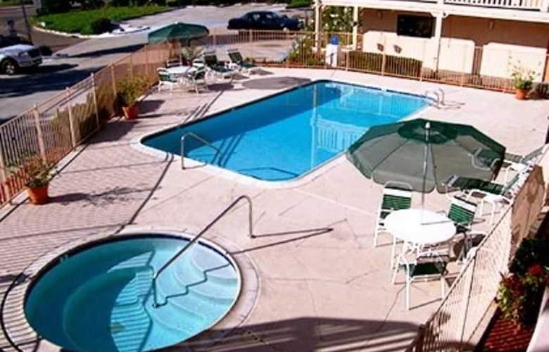 Heritage Inn La Mesa - Pool - 6