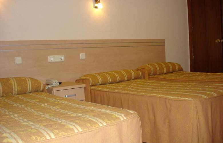 Hostal Avenida - Room - 2