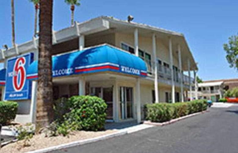 Motel 6 Scottsdale - General - 1