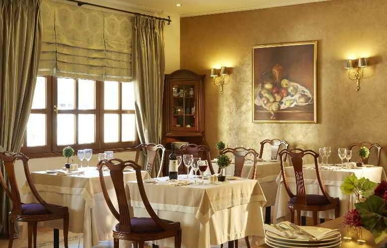Mediterranean Palace - Restaurant - 1