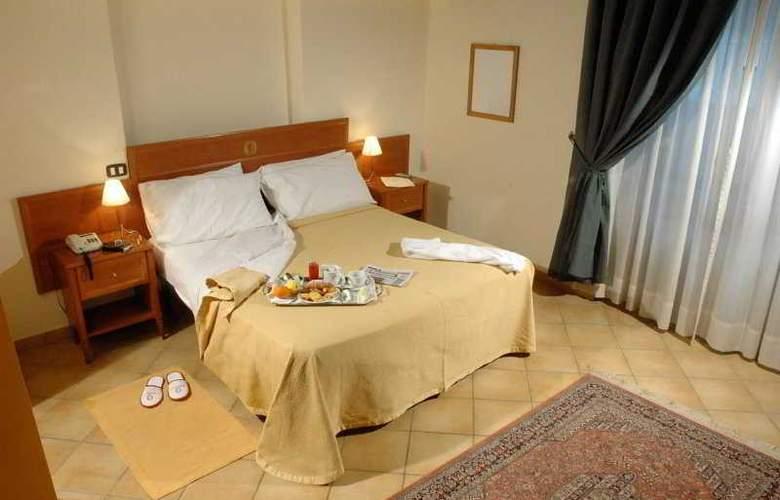 Caravaggio Hotel - Room - 4