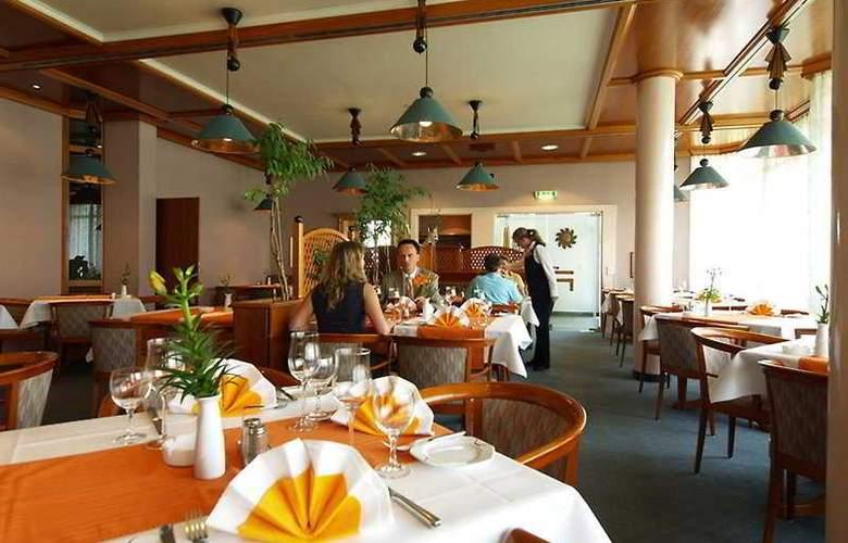 Ramada Hotel Stuttgart-Herrenberg - Restaurant - 3