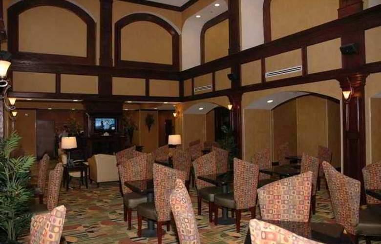 Hampton Inn & Suites Waco South - Hotel - 7