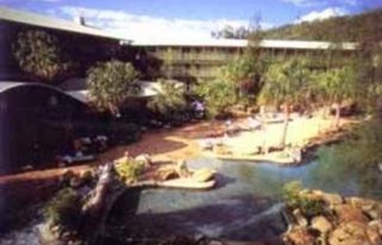 Comfort Resort Club Crocodile Airlie Beach - General - 2