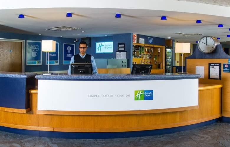 Holiday Inn Express Bradford City Centre - General - 1