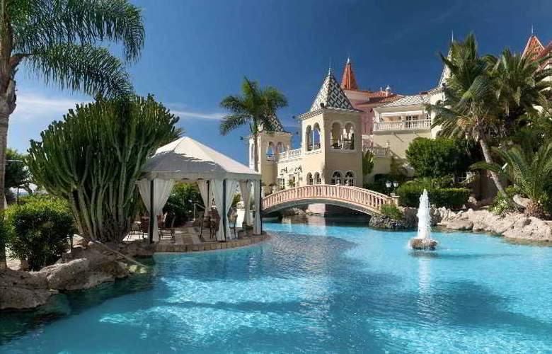Bahia Del Duque Resort - Pool - 16