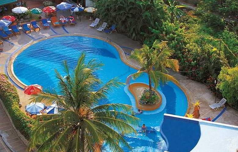 Natural Park Resort - Pool - 5