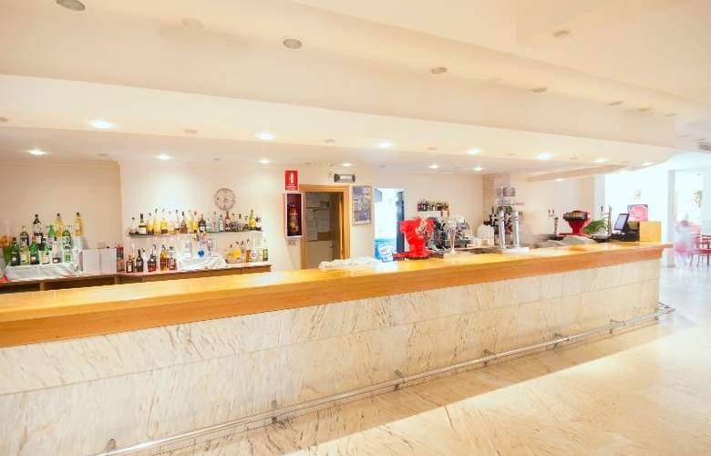 Azuline Coral Beach - Bar - 20