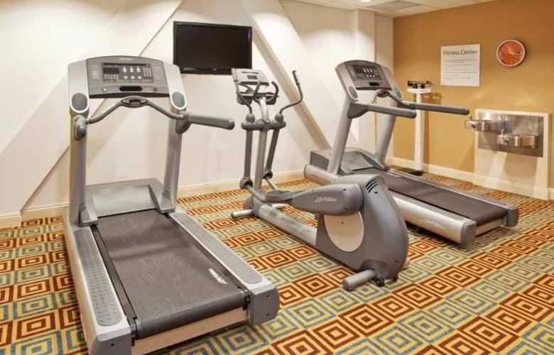 Holiday Inn Express & Suites Santa Cruz - Sport - 4