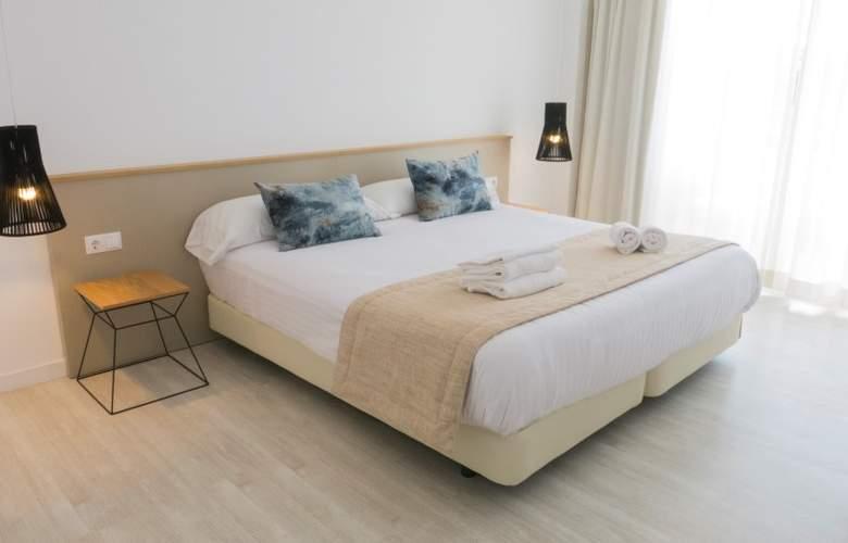 Globales Cala Bona Suites - Room - 2