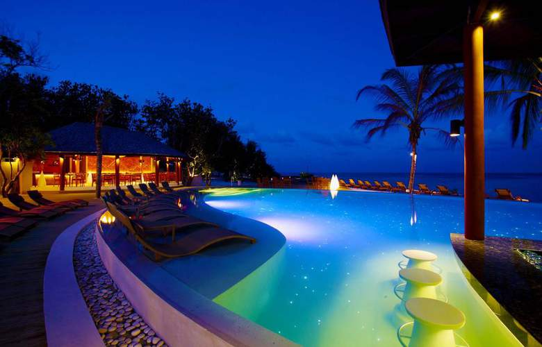 Centara Ras Fushi Resort & Spa Maldives - Pool - 2