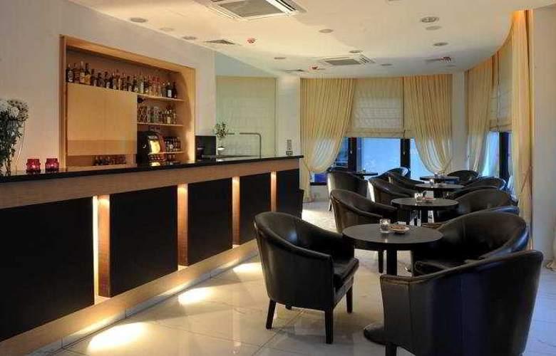 Royiatiko Hotel - Bar - 4