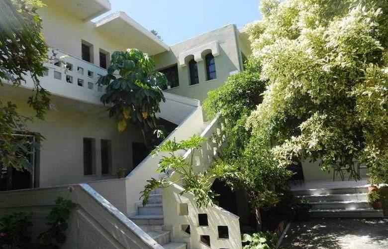 Evangelos Apartments - Hotel - 4