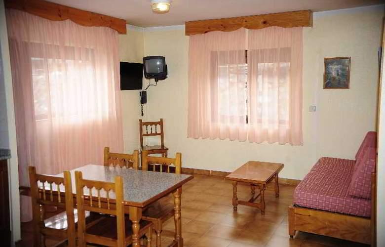 Deusol 3000 - Room - 13