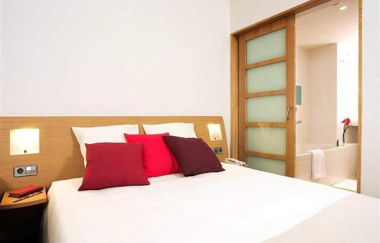 Novotel Barcelona Cornella - Room - 26