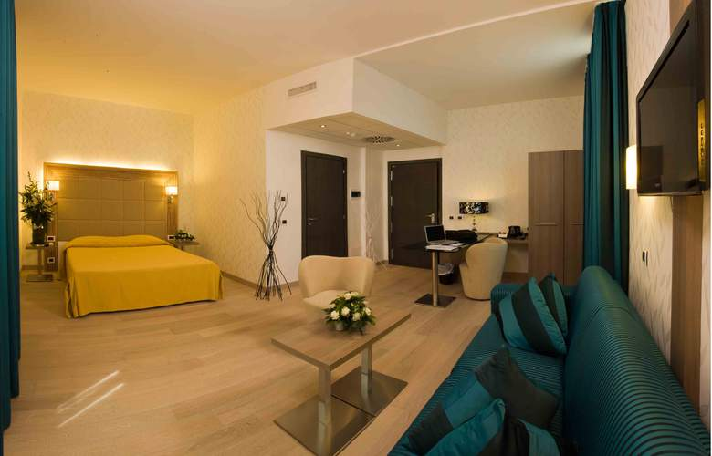 Hotel Cosmopolitan - Room - 7
